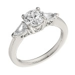 Engagement Ring featuring 2 Bullet Diamond with 0.32ctw in Yellow Gold