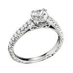 Engagement Ring featuring 16 Round Brilliant Diamonds with 0.31ctw in Yellow Gold