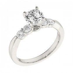 Engagement Ring featuring 4 Round Brilliant Diamonds with 0.40ctw in White Gold